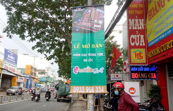 Treo băng rôn quảng cáo sẽ thu hút được người đi đường ở nơi công cộng