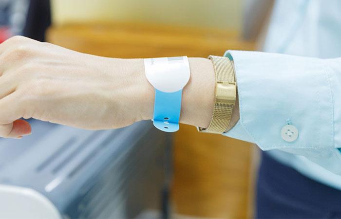 Vòng đeo tay y tế cho bệnh nhân